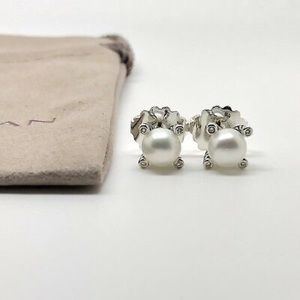 David Yurman 6mm Pearl Stud Earrings W/ Diamonds